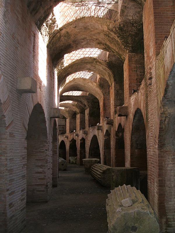 Eingang Kolosseum Rom Stadtbesichtigungen Rom Kolosseum
